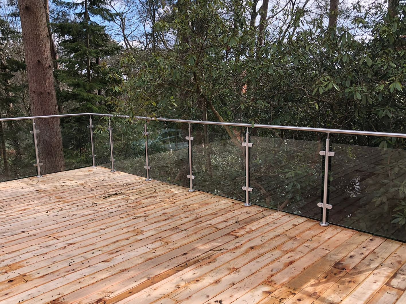 Stainless Steel Post & Rail Balustrade System on Wooden Decking